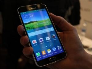 Galaxy S5 - Business Insider - Photo Credit Steve Kovach